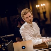 EXCLUSIVE: BAFTA-Winning Composer ólafur Arnalds Talks 'Reminiscence' Video and Reinventing Chopin with Alice Sara Ott