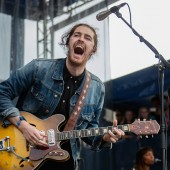 Newport Folk Festival 50th Anniversary Pays Tribute to Bob Dylan and Seeger '65