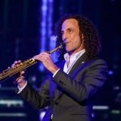 Kenny G to Break Longest Note World Record, Performs 'Going Home' on John Oliver