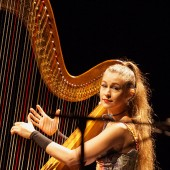 Joanna Newsom Teaches Larry King How to Play Harp on Webisode