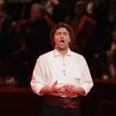 Watch Jonas Kaufmann Sing Aria from 'Tosca' in Exclusive 'Evening With Puccini' Clip