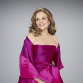 Renée Fleming to Make Acting Debut in a Play: 'Living on Love' at Williamstown Theatre Festival