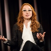 Tori Amos Talks Latest Album, 'Unrepentant Geraldines,' and Art on a Stroll Through The Metropolitan Museum of Art