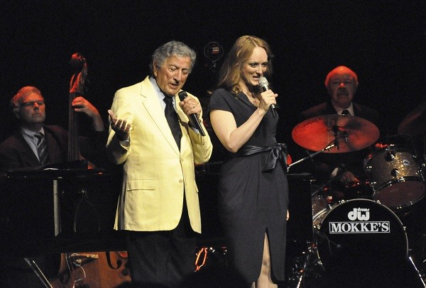 Tony Bennett and his daughter Antonia perform at a concert in Rome.