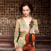 Violinist Hilary Hahn Returns to Symphony Center in Chicago