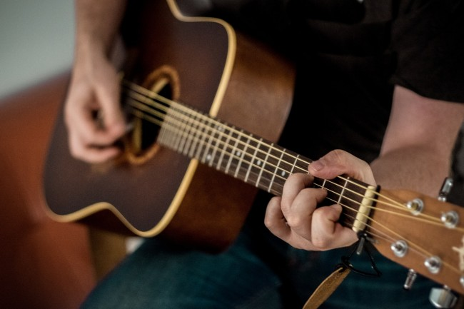 Choosing Your First Classical Guitar